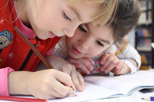 La psychothérapie des enfants: la médiation par le dessin