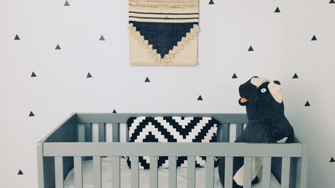 Comment décorer une chambre de bébé ?